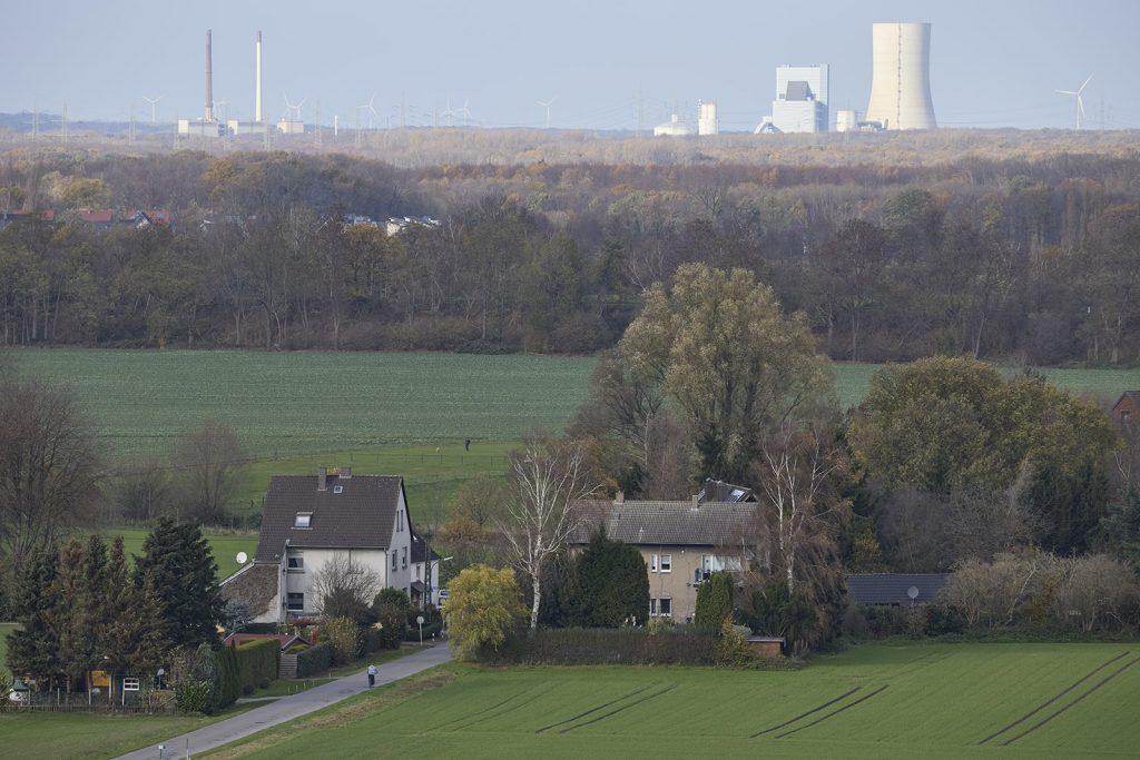 Blick vom Deusenberg mit dem Kraftwerk Datteln 4 Uniper