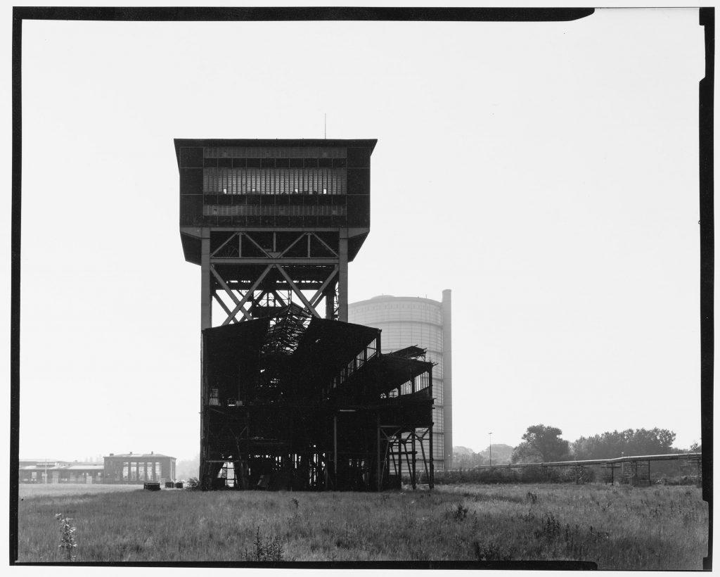 Hammerkopfturm mit Teilabriss der Halle, Dortmund Eving