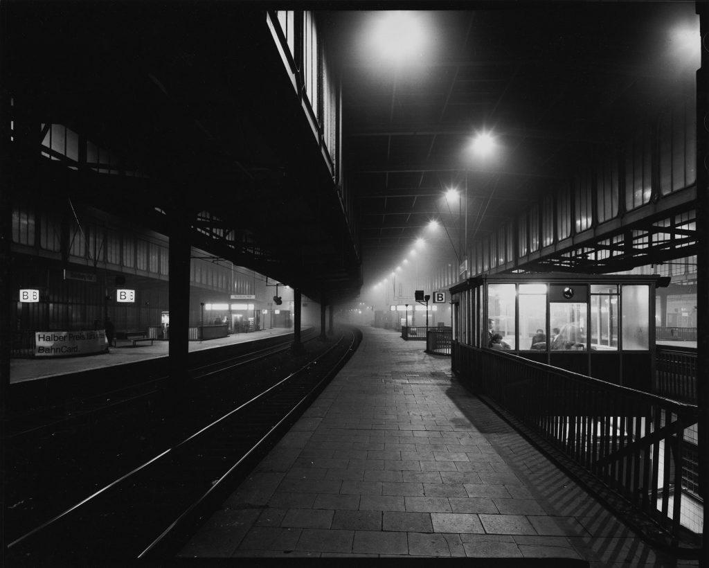Duisburg Hauptbahnhof bei Nebel